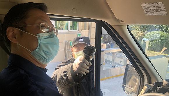 台湾黑帮打砸警局完整现场曝光:追打警察 所长销毁监控