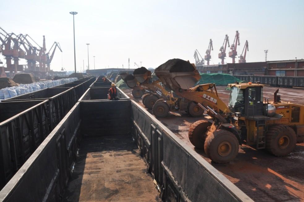 中国铁路北京局天津货运中央添大矿石疏港力度,助力重点企业复工复产