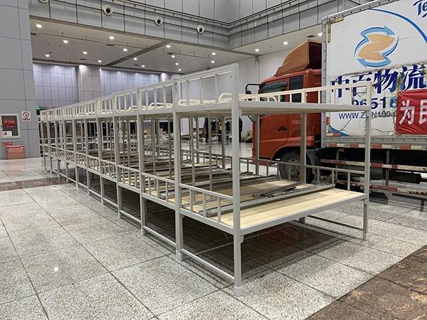 峨眉山A工程部副部长为承包商谋利受贿72万获刑2年