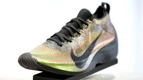 耐克公司Vaporfly系列跑鞋(美国雅虎新闻网站)