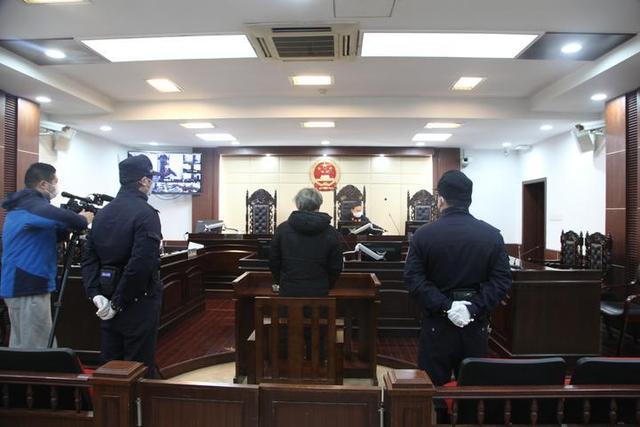 利用疫情卖口罩诈骗 浙江鄞州男子获刑6个月