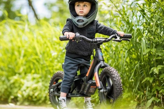 从娃娃抓起:哈雷推出适用于3岁儿童的电动平衡车