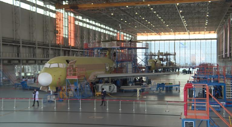 △ ARJ21飞机浦东生产线