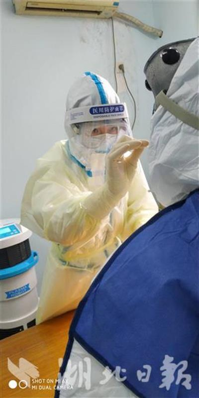 中国以外确诊病例达272万例
