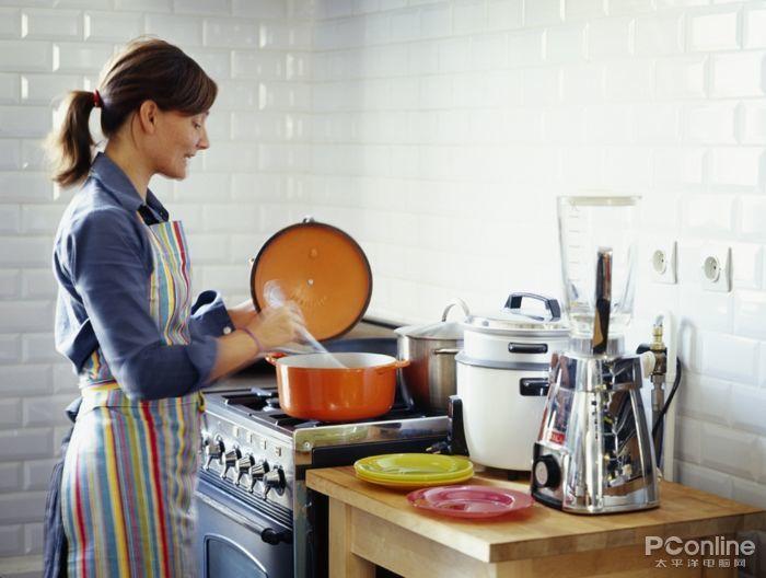 高颜值厨电安利给你 你跟美厨娘的人设之间只差食材