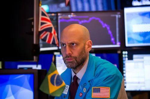3月17日,交易员在美国纽约证券交易所工作。新华社发(郭克摄)