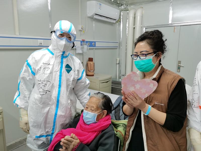 胡歌给医护人员写信:救治病人也保护好自己