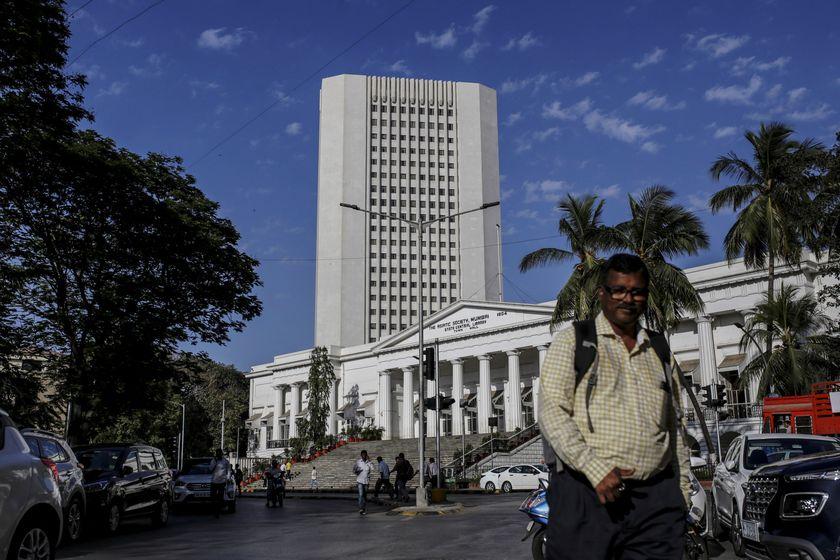 印度央行采取紧急行动:降息+降准+QE三管齐下_嘉盛外汇代理