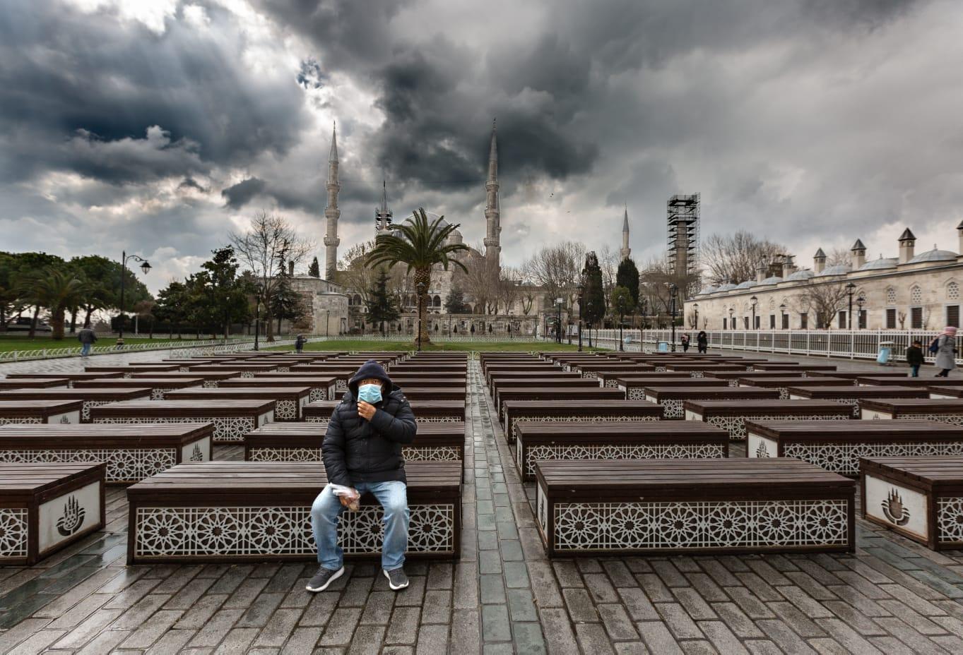 △图片来自伊斯坦布尔省长耶尔利卡亚社交媒体账号