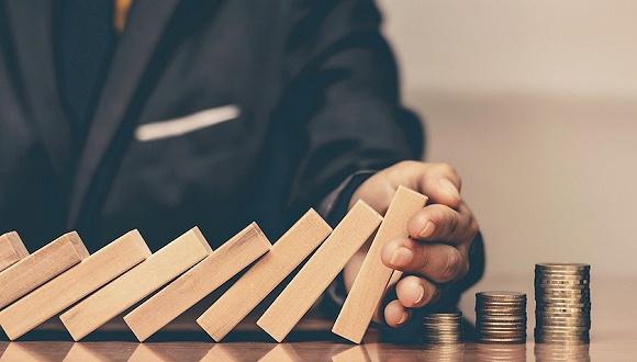 对美国经济的担心已经加剧。超等富豪投资者俱乐部是现金之王|经济衰退是现