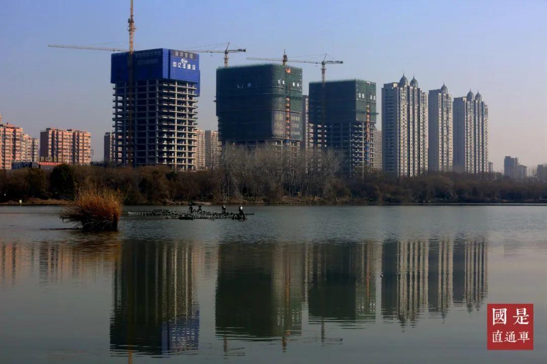 2020年2月20日,江苏省淮安市水渡口商务区新建的房地产建筑。中新社发 周长国 摄
