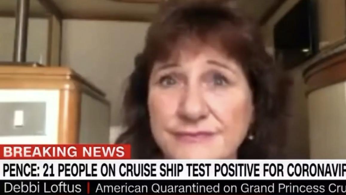△乘客黛比·洛夫图斯在邮轮上批准采访