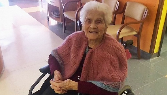 """""""不放弃勇气和信心"""":意大利百岁老奶奶战胜新冠"""