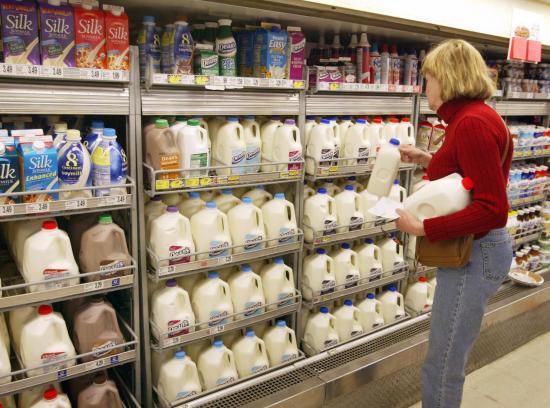动员成年人喝奶,不能光打营养牌
