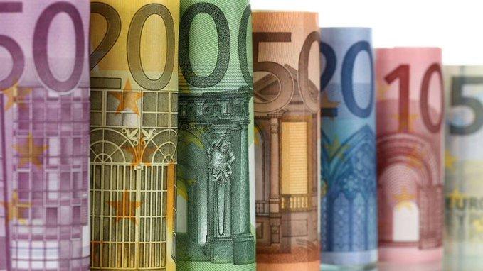 全球各国撒钱抗疫 债务危机即将爆发?,外汇开户送美金