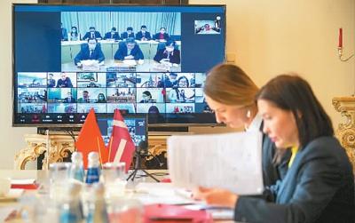 3月13日,中国同中东欧17国举行新冠肺炎疫情防控专家视频会议,分享和交流疫情防控经验及信息。    亚尼斯摄(新华社发)