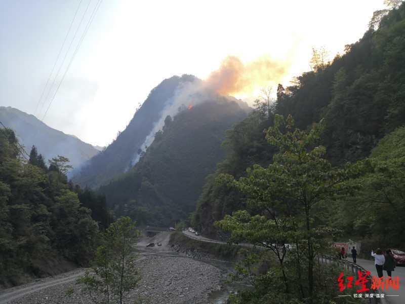 四川安州千佛山山火已被初步控制 暂无人员伤亡