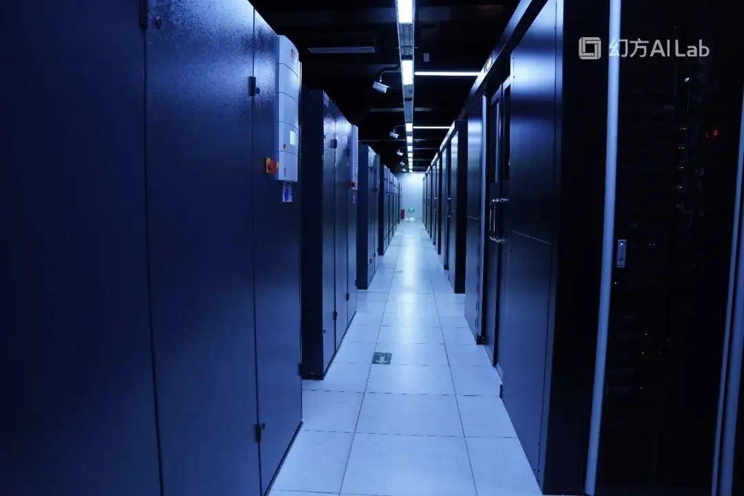 人工智能炒股?这家量化私募建篮球场大的超级计算机