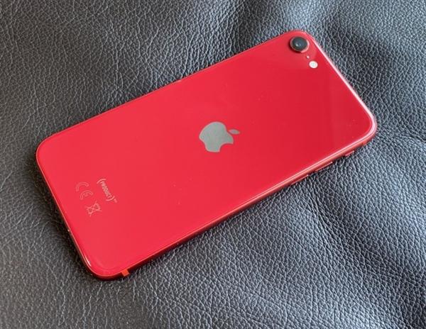 iPhone 4月国内销量激增160% 新款SE立功!