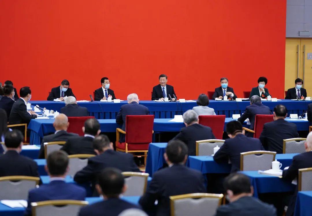5月23日上午,习近平总书记看望参加全国政协十三届三次会议的经济界委员,并参加联组会,听取意见和建议。新华社记者 谢环驰 摄