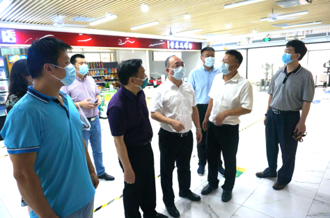 学校党委书记陈敏生检查学生返校及校园疫情防控工作