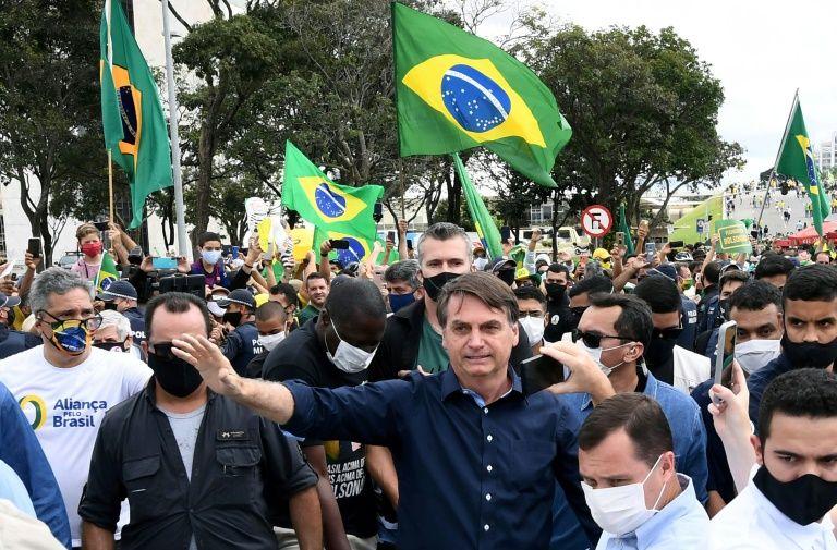 """世卫组织决定暂停羟氯喹治疗新冠试验,巴西卫生部仍坚持""""使用""""!"""