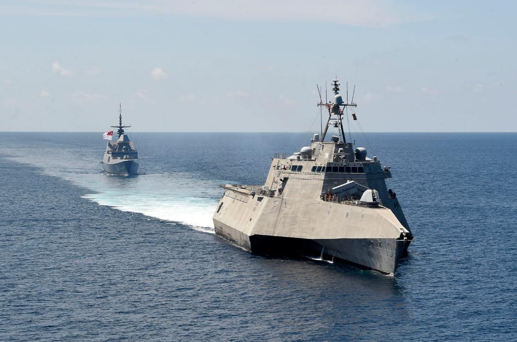 美军濒海舰又来南海 还带着新加坡军舰一起演练(图)