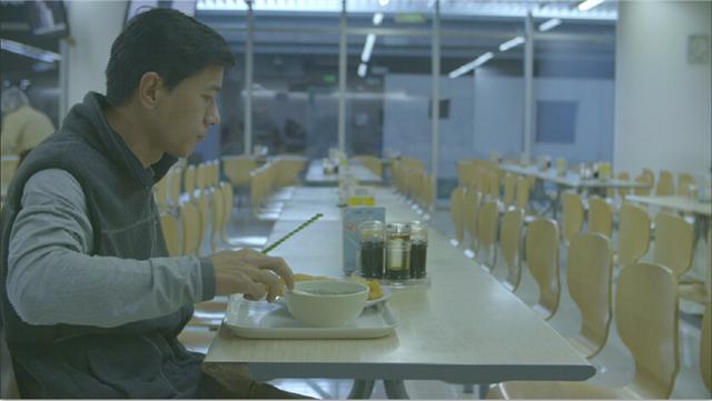 李彦宏一件衣服穿10年,网友:月薪3000也没你节俭