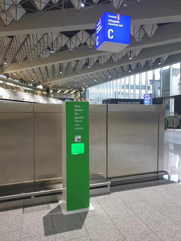 ▲法兰克福机场免接触洗手液发放机