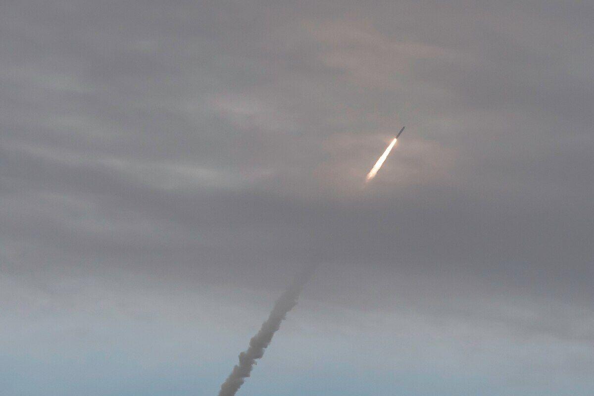 法核潜艇同一天曝2件大事:发射核导弹和起火损毁