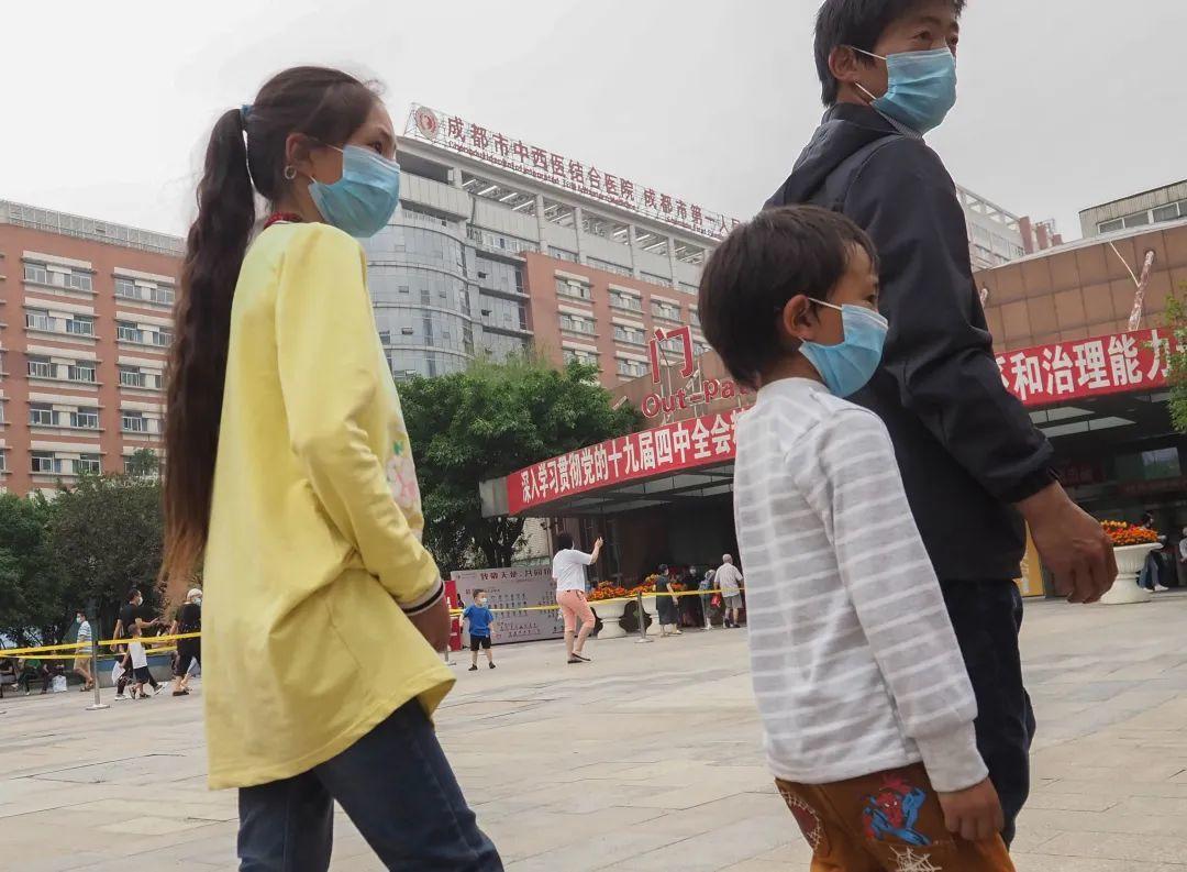 藏族姐弟俩同患先天性心脏病 12岁姐姐:先救弟弟