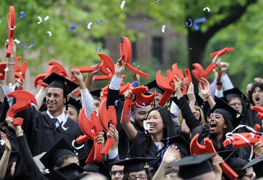 资料图:中国留学生在耶鲁大学。(图源:美联社)