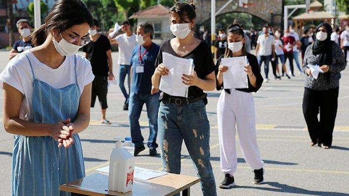 """保駕護航!土耳其高考期間實施全國""""禁足令"""""""
