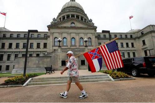 ▲密西西比州议员外决宣布移除州旗上的南方联盟标志。(来源:喜欢达荷州日报)
