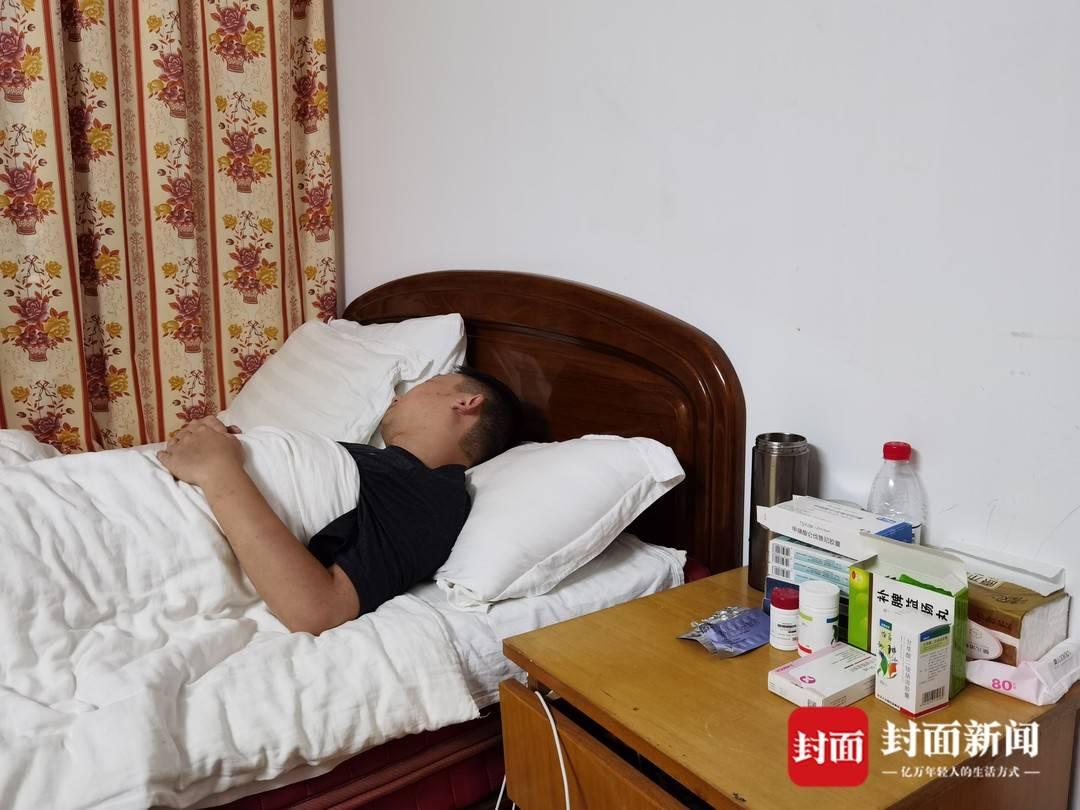 姚策卧病在床