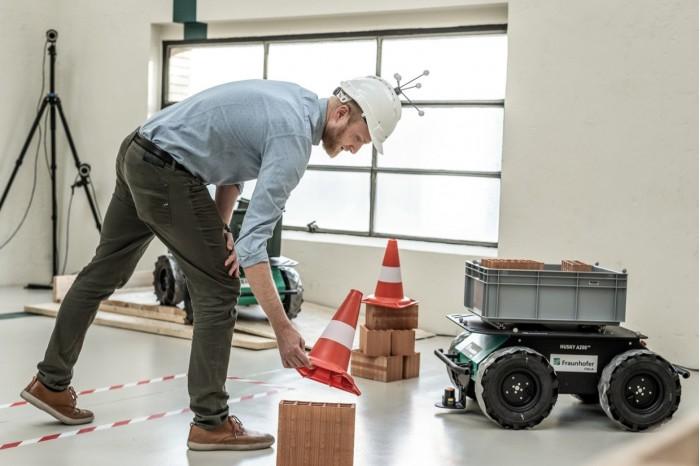 工程师打造新机器人软件:为建筑现场工作人员提供智能帮助