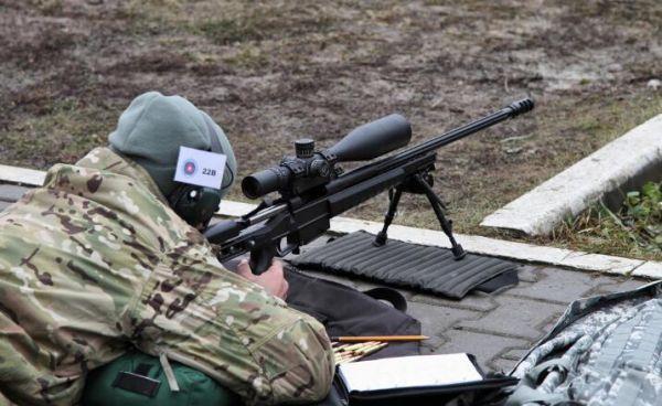 资料图片:国际狙击比赛中的
