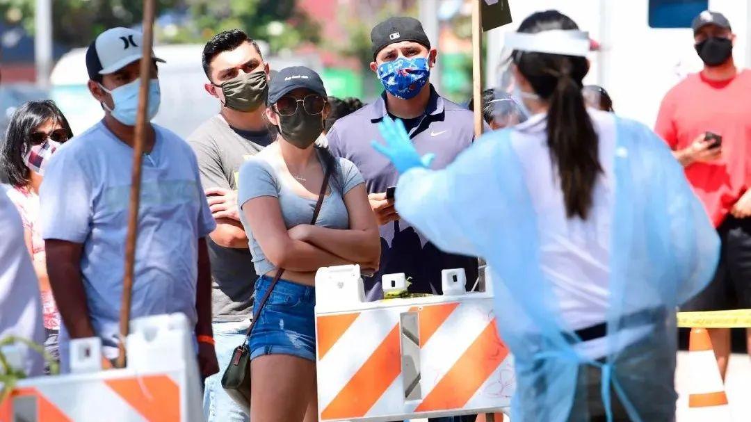 △在美国差别地区,人们批准新冠病毒检测的机会也有差别。