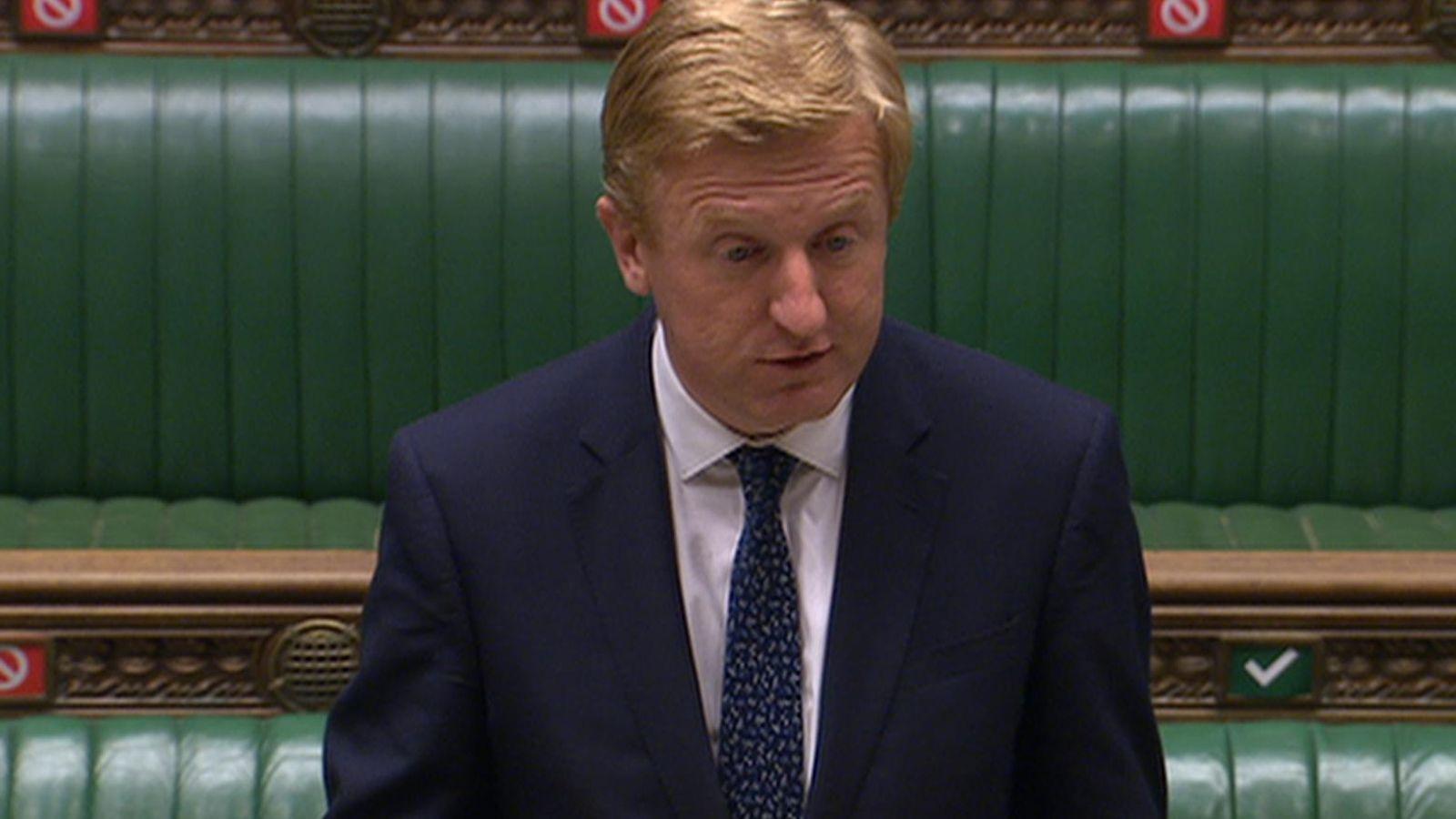 英国文化大臣道登向议会下院通报当局禁用华为5G的决定
