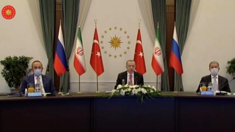 △土耳其总统、社交部长、国防部长参添视频会议图片来源:土耳其总统信息办公室