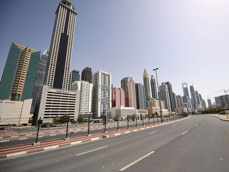 """△""""国家消毒计划""""期间迪拜街道 图片来源:当地媒体"""
