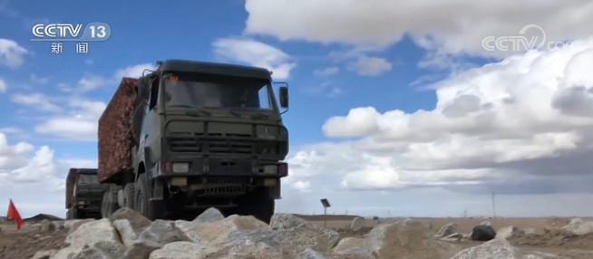 西藏:高海拔多要素演练检验部队保障能力
