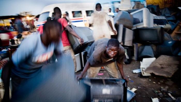 联合国发布报告称全球电子垃圾激增 5年内增长21%