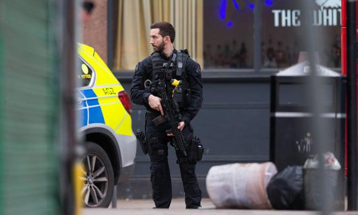 △近年 ,英国越来越多的罪犯在犯罪现场被当场击毙。