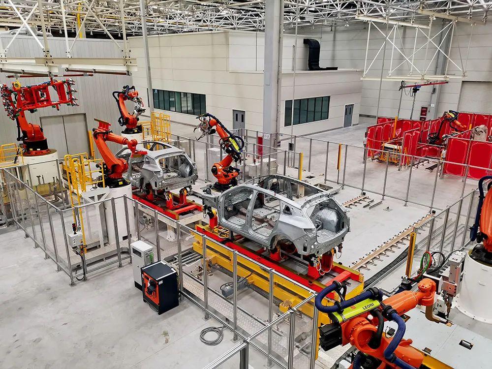 2020年6月,赛麟厂区异国工人,生产线处于凝滞状态。摄影/江舟