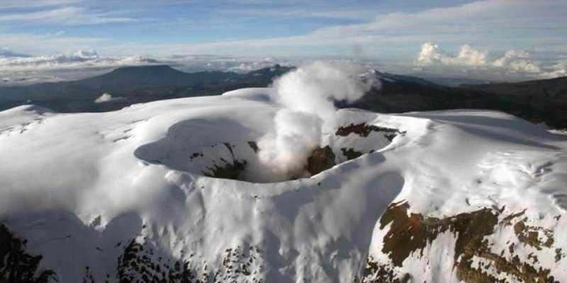 哥伦比亚鲁伊斯火山活动频繁 相邻五城发布预警