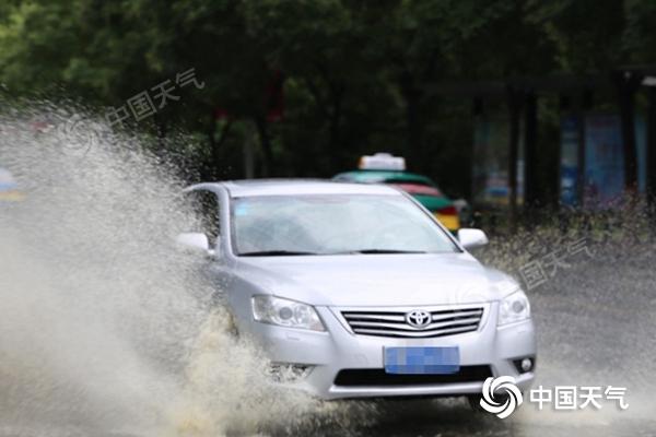 京津冀将现成片大到暴雨 四川遇今年来最强降雨