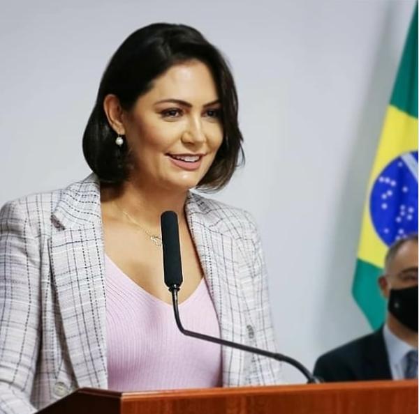 巴西总统夫人确诊两周后 自称新冠肺炎已痊愈