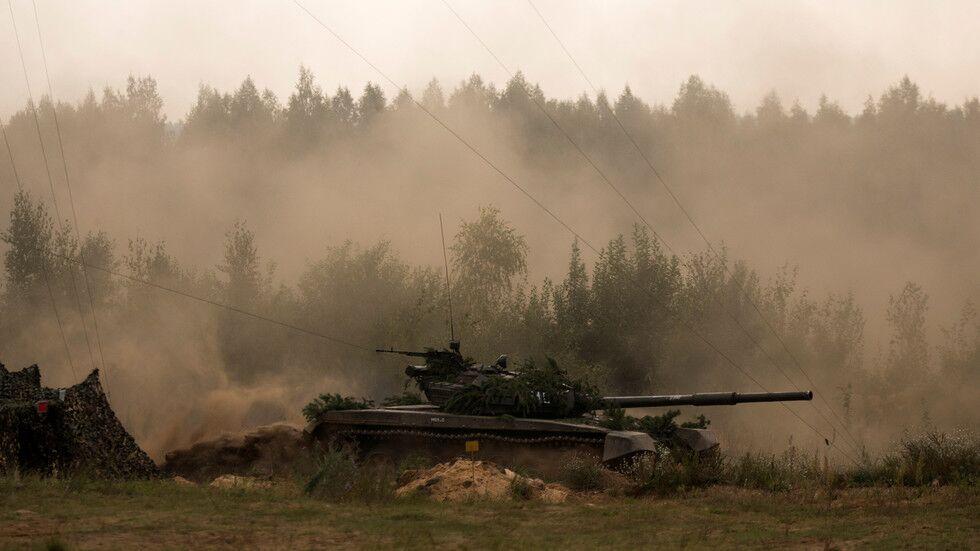 白俄罗斯宣布在边境举行大规模军演重点演练防空