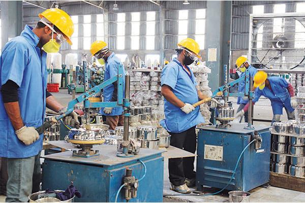 印度经济恢复缓慢 75%中小微企业产能恢复不到一半